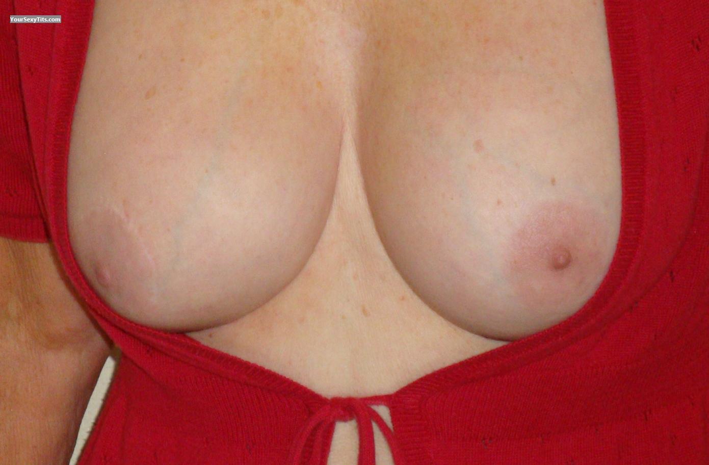 big tits round ass jayden squeezes