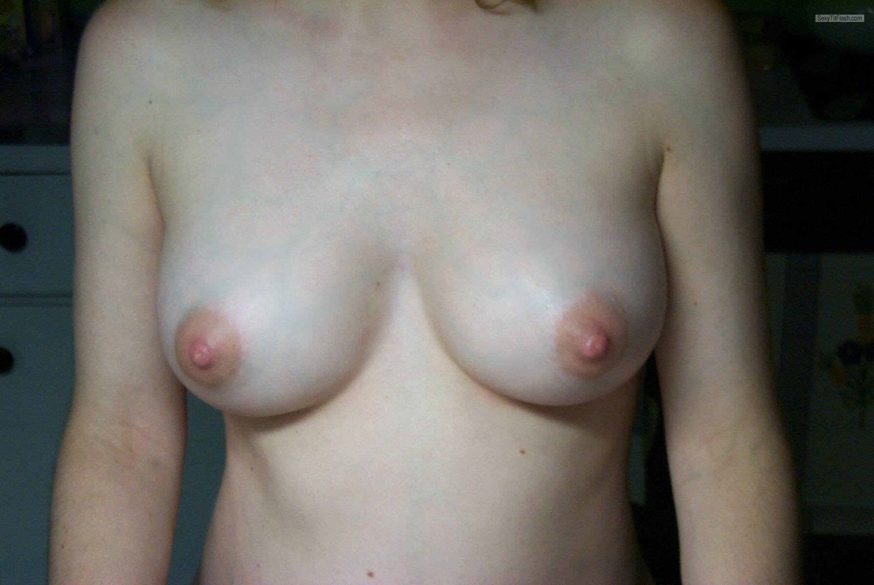 Фото грудь с маленькими сосками 6 фотография
